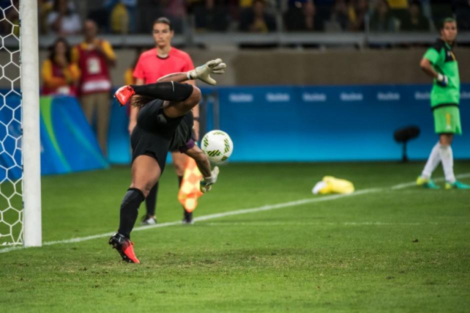 Brasil estaba contra las cuerdas cuando apareció Bárbara. (Foto: AFP)