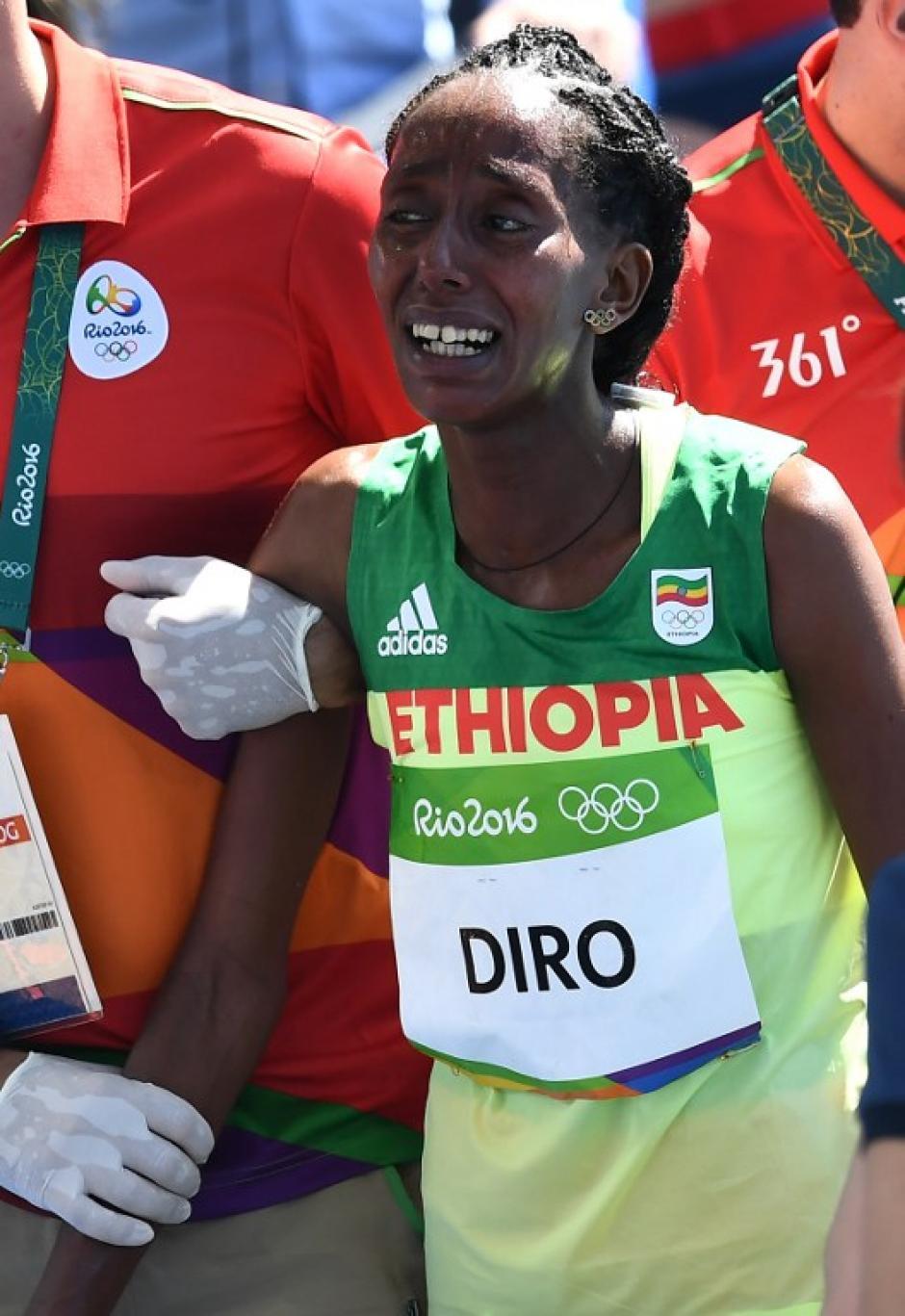 Cuando terminó, lloró desconsolada por quedar fuera de la final. (Foto: AFP)
