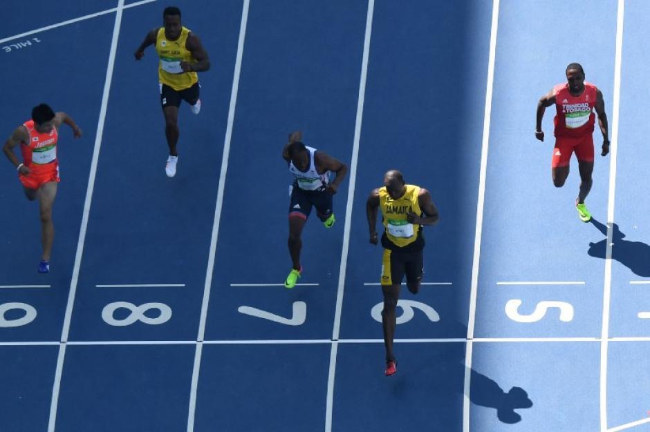 Bolt, con 10.10 no tuvo el mejor tiempo de la tarde, que fue 10.01.  (Foto: AFP)
