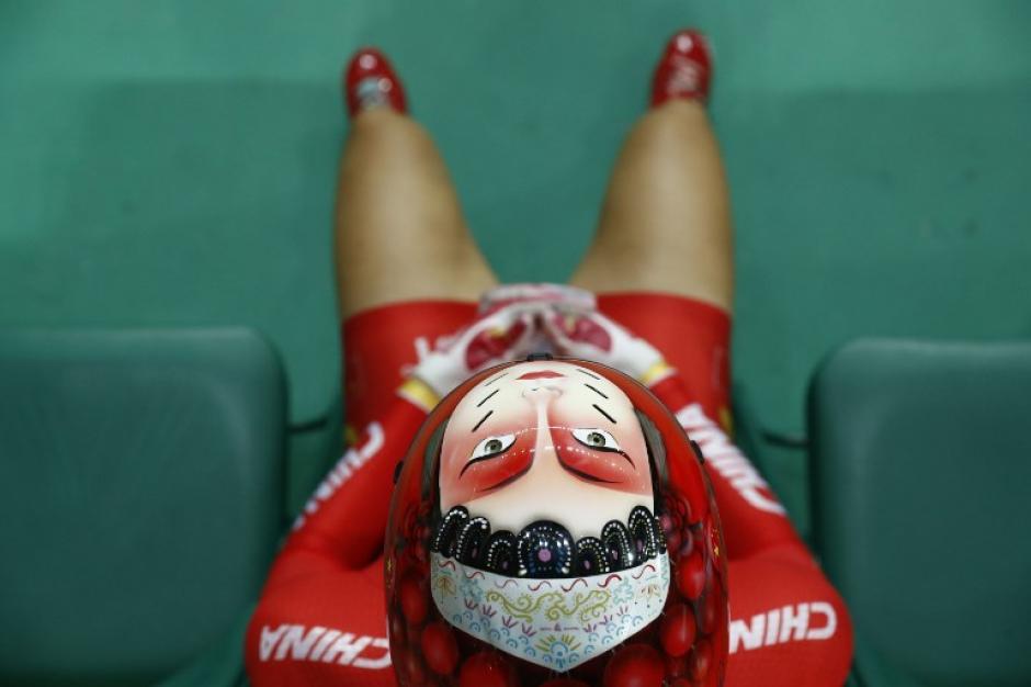 Los cascos de las ciclistas chinas causan furor en las redes. (Foto: AFP)
