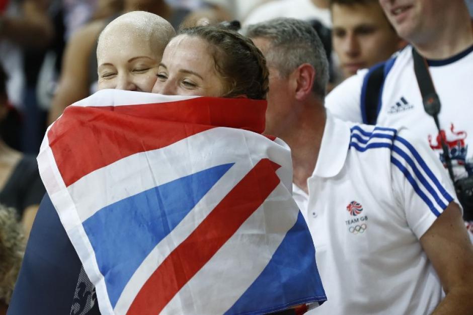 Joanna y sus compañeras ganaron el oro en persecución por equipos. (Foto: AFP)
