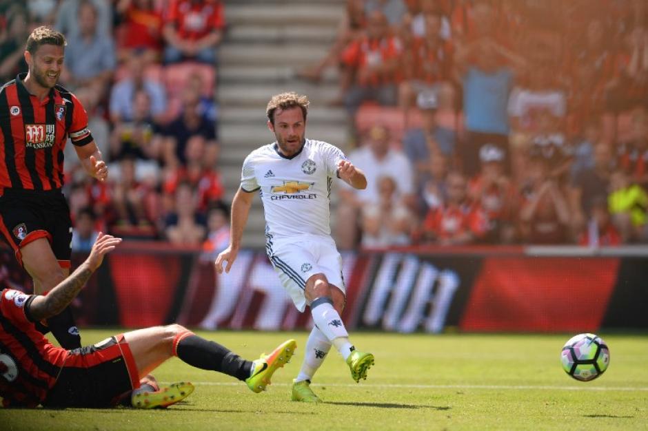 Juan Mata metió el primer gol del partido. (Foto: AFP)