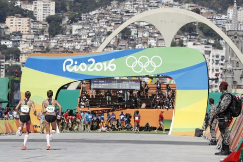 Terminaron en los puestos 81 y 82 del maratón. (Foto: AFP)