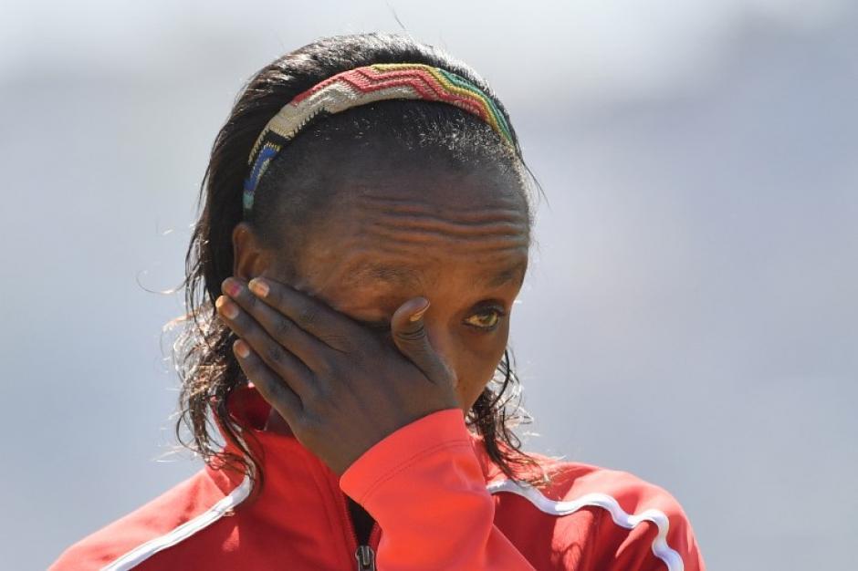 Sumgong lloró cuando le entregaron su medalla. (Foto: AFP)