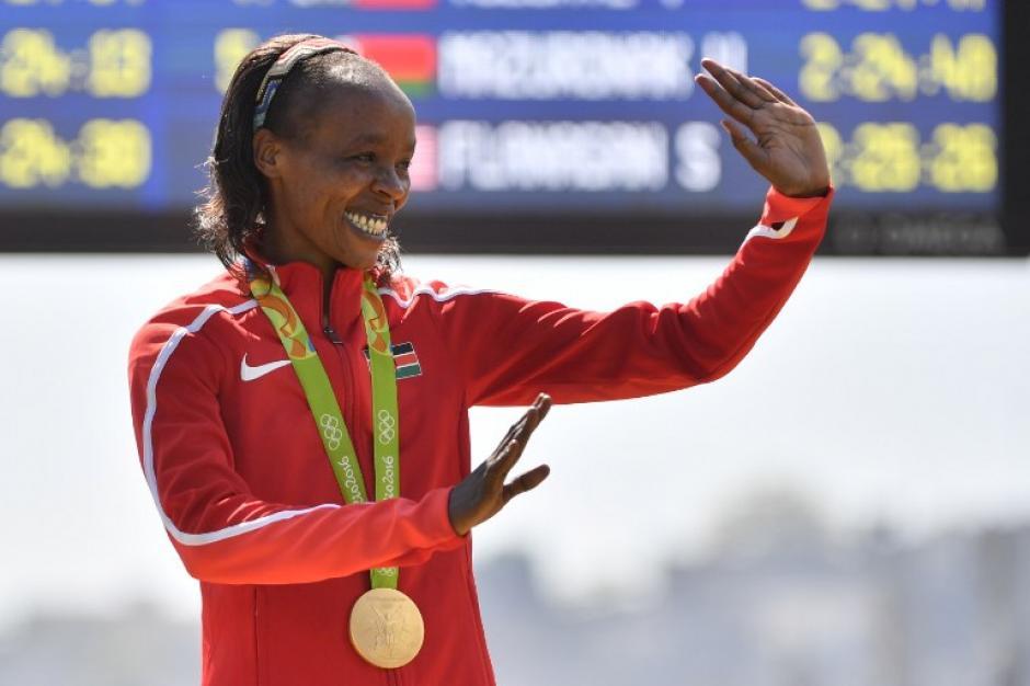 La keniata se sobrepuso al calor y la humedad. (Foto: AFP)