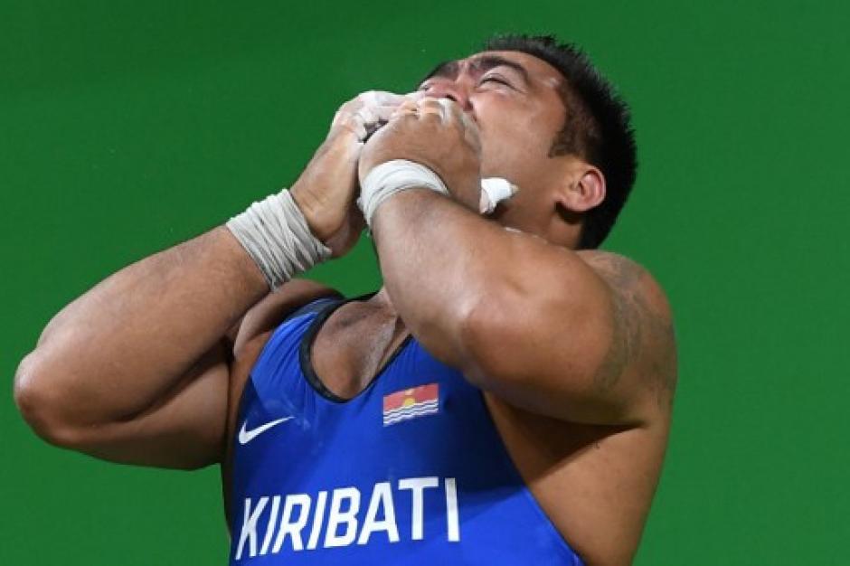Lejos de mostrar tristeza, David Katoatau dio una muestra de positivismo. (Foto: AFP)
