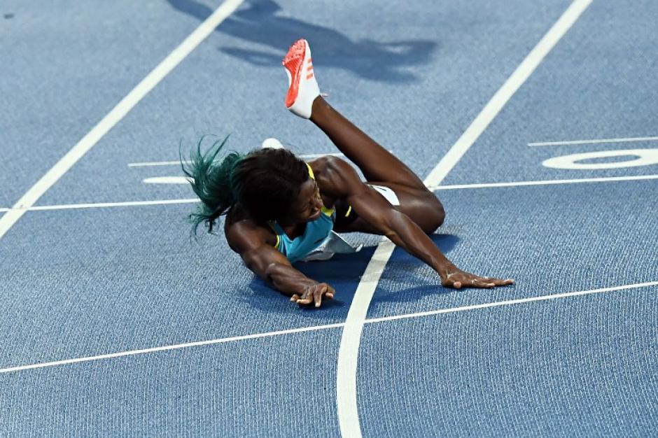 """""""No sé qué pasó, de la nada estaba en el suelo"""", dice Miller (Foto: AFP)"""