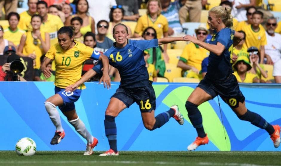 La mejor jugadora del mundo no pudo contra las suecas. (Foto: AFP)