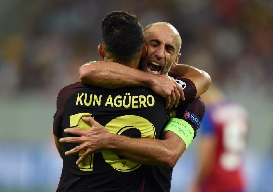 El Kun Agüero tuvo un partido loco en Rumania. (Foto: AFP)