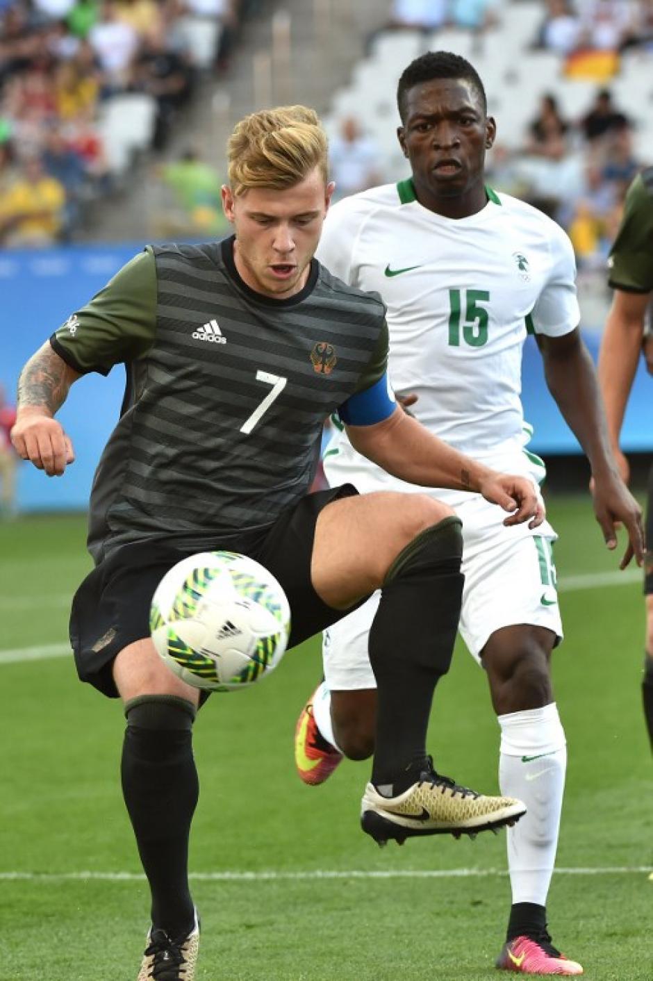 Los alemanes vencieron a Nigeria 2-0 (Foto: AFP)
