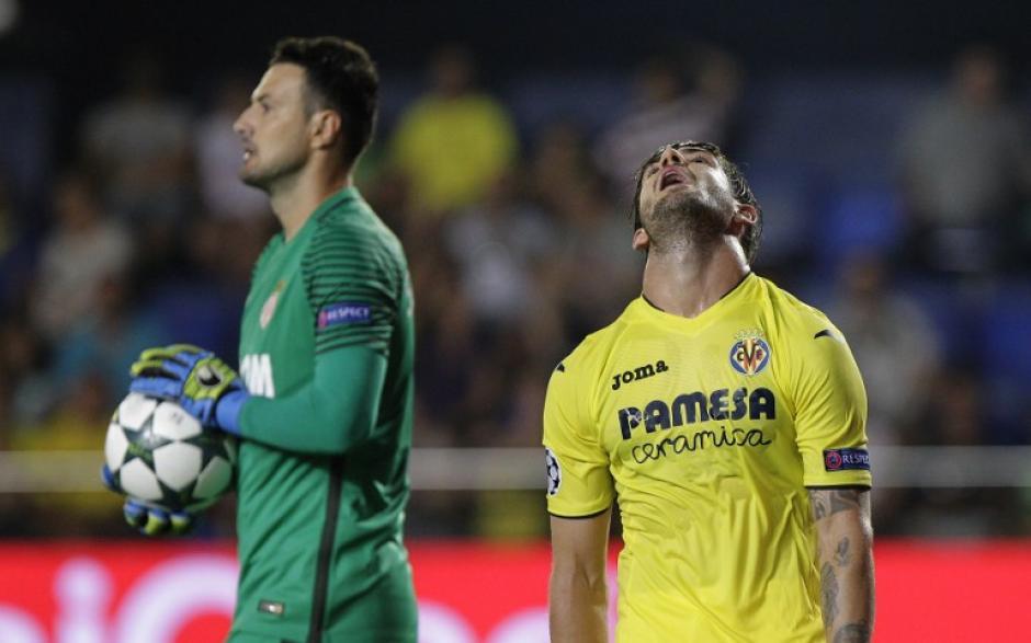El Villarreal no aprovechó su localía y cayó ante el Mónaco. (Foto: AFP)