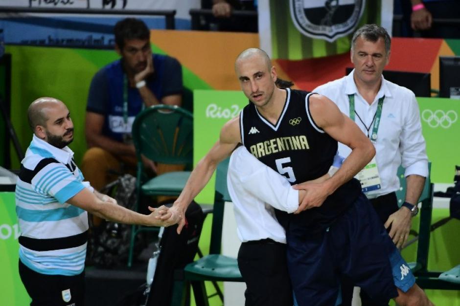 El argentino Emanuel Ginóbili anunció que ya no continuará con su seleccionado. (Foto: AFP)