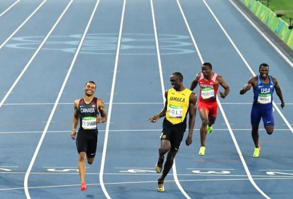 El canadiense Andre de Grasse obligó a Bolt a apretar para cerrar primero. (Foto: AFP)