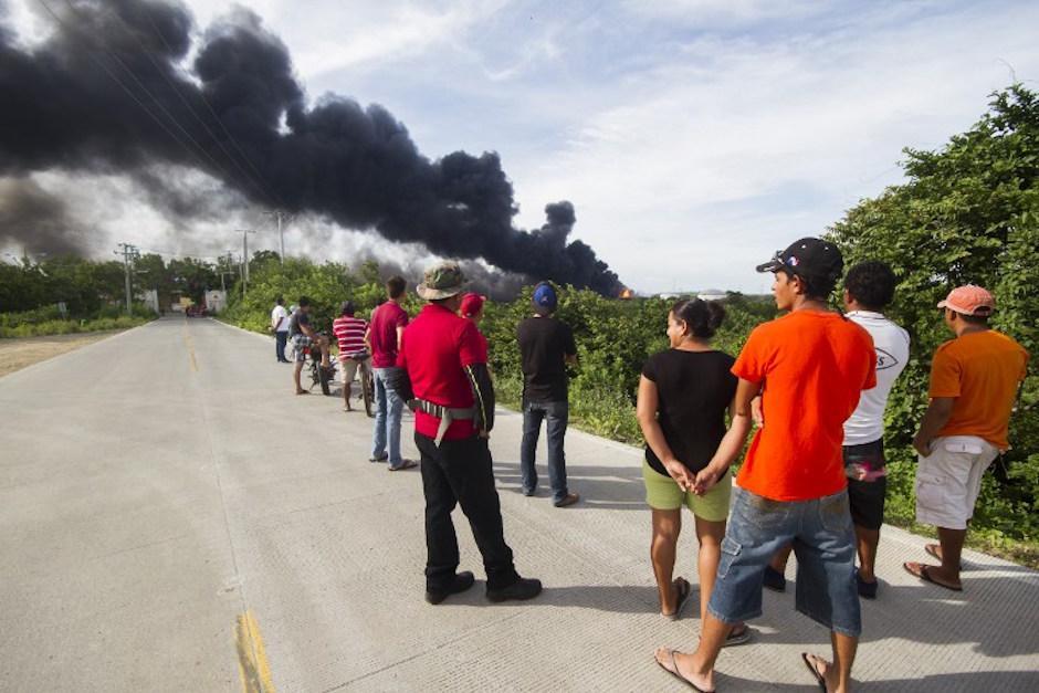 Los poblados cercanos se preocupan por el incendio. (Foto: AFP)