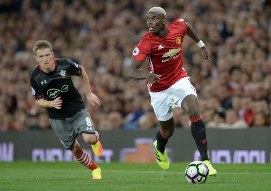 Estos primeros días en el United ha jugado con el pelo rubio. (Foto: AFP)