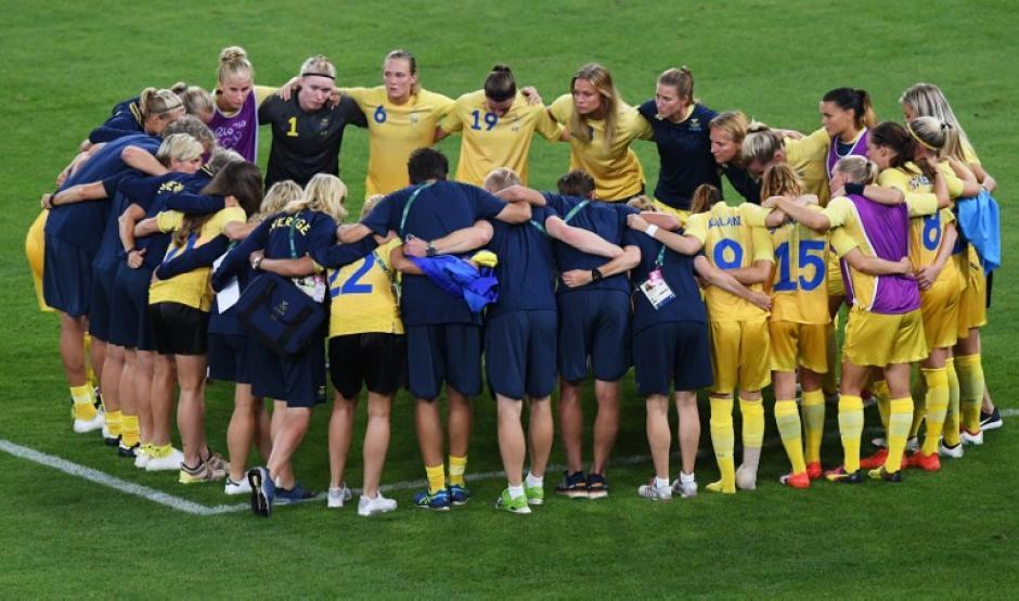 A pesar de la derrota, Suecia se hizo con la primera medalla de plata en este deporte de conjunto para mujeres. (Foto: AFP)