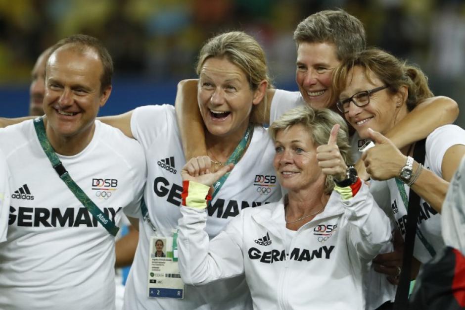 Es la primera vez que el equipo femenil obtiene la presea dorada en este deporte. (Foto: AFP)