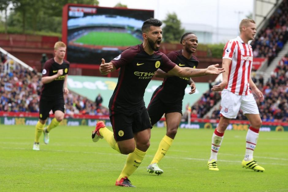 El Kun Agüero metió dos goles para el Manchester City. (Foto: AFP)