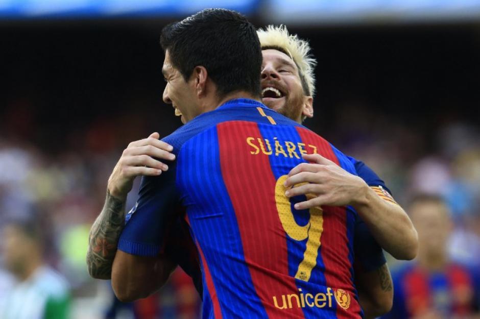 Sin Neymar, Suárez y Messi resolvieron el partido ante el Betis. (Foto: AFP)