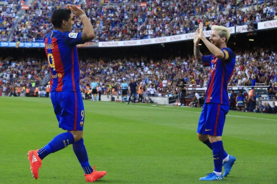 Luis Suárez fue el protagonista del juego al marcar tres golazos. (Foto: AFP)
