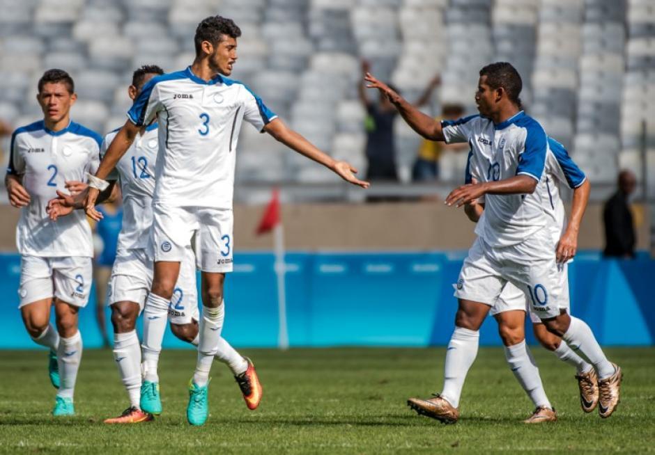 Los catrachos marcaron dos goles y creyeron hasta el final. (Foto: AFP)