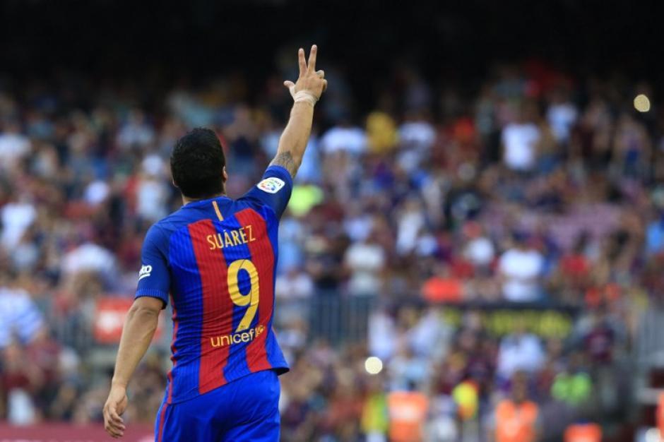 Luis Suárez marcó tres goles contra el Betis en el inicio de La Liga española. (Foto: AFP)