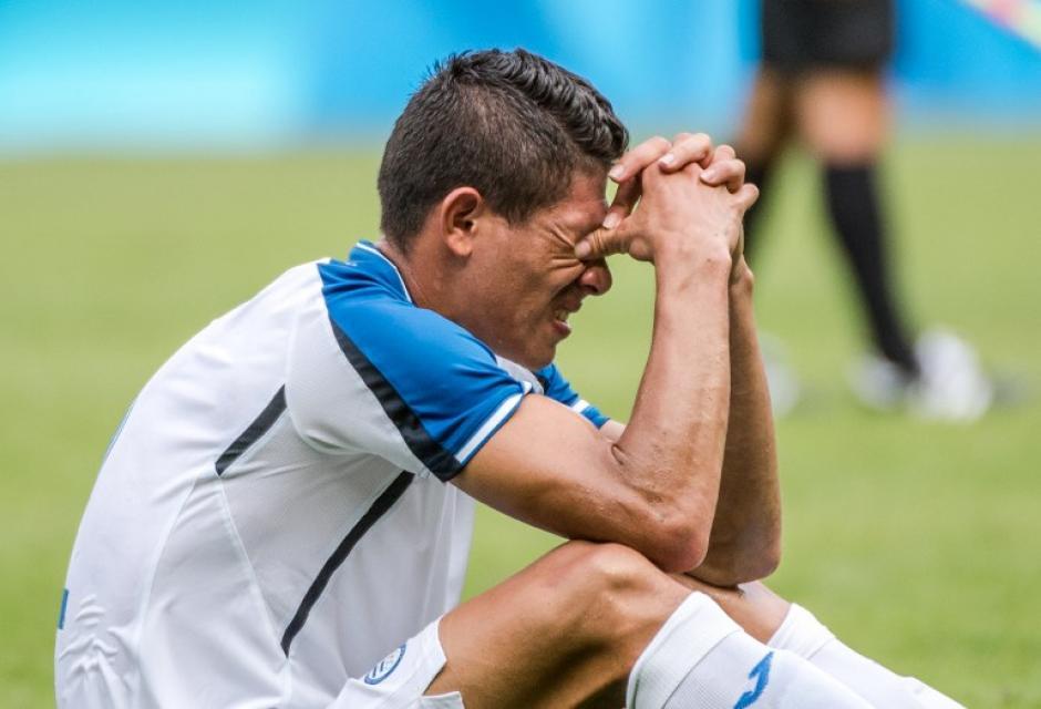Los hondureños quedaron en el suelo tras la derrota. (Foto: AFP)