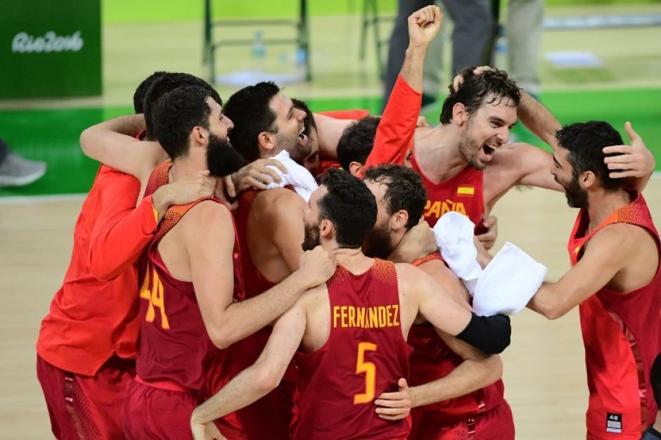 España se llevó la medalla de bronce por la mínima ventaja. (Foto: AFP)