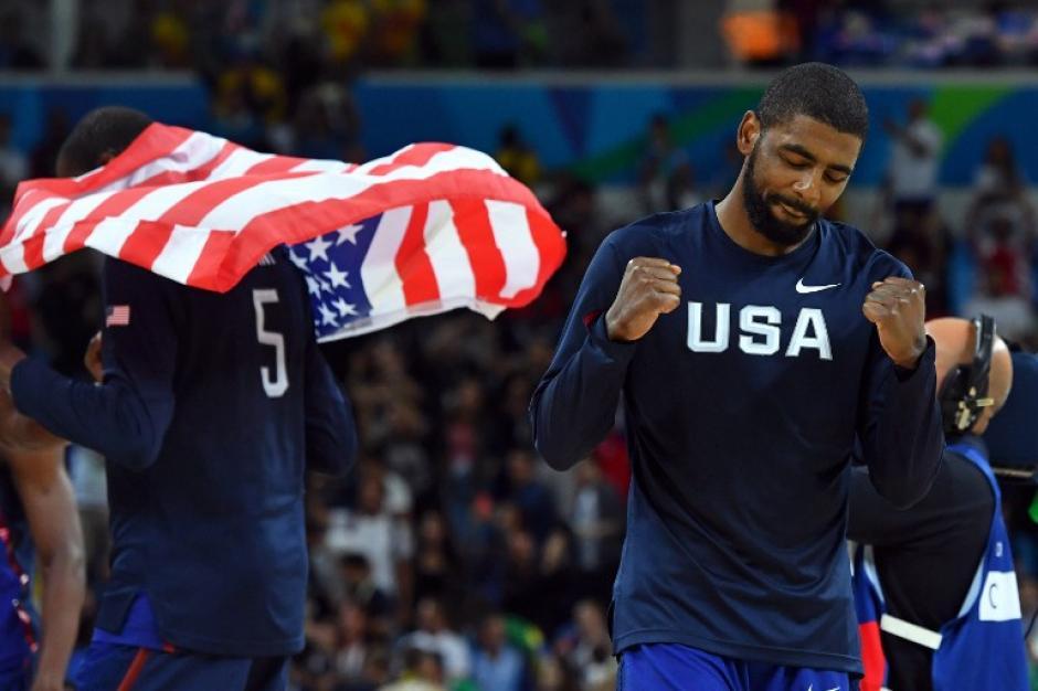 Kyrie Irving celebra la victoria. (Foto: AFP)