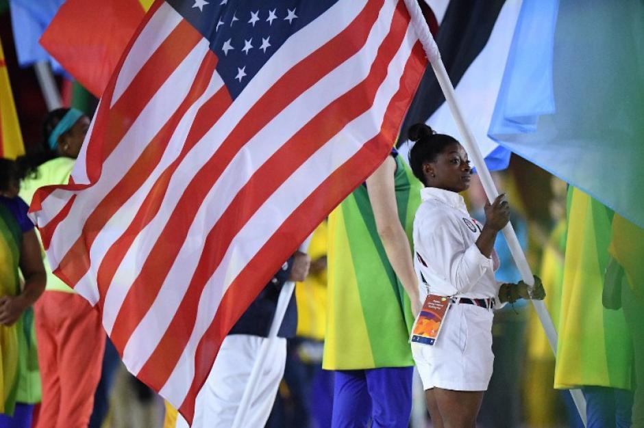 Simone Biles, la abanderada de Estados Unidos, país que dominó el medallero. (Foto: AFP)