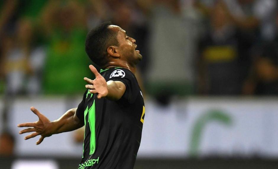 El delantero Raffael metió tres goles para el Mönchengladbach (Foto: AFP)