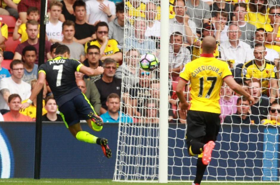 Alexis Sánchez marcó en la primera victoria del Arsenal. (Foto: AFP)