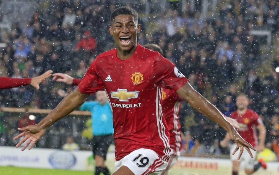 El joven de 18 años volvió a salvar al Manchester United. (Foto: AFP)