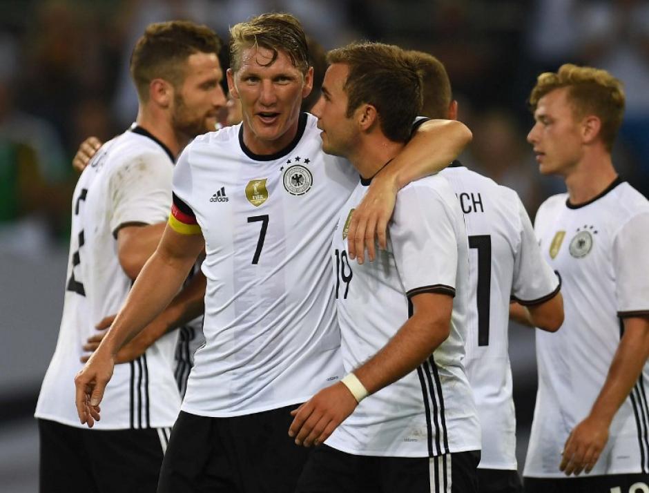 Jugó como capitán y salió al minuto 68 entre aplausos. (Foto: AFP)