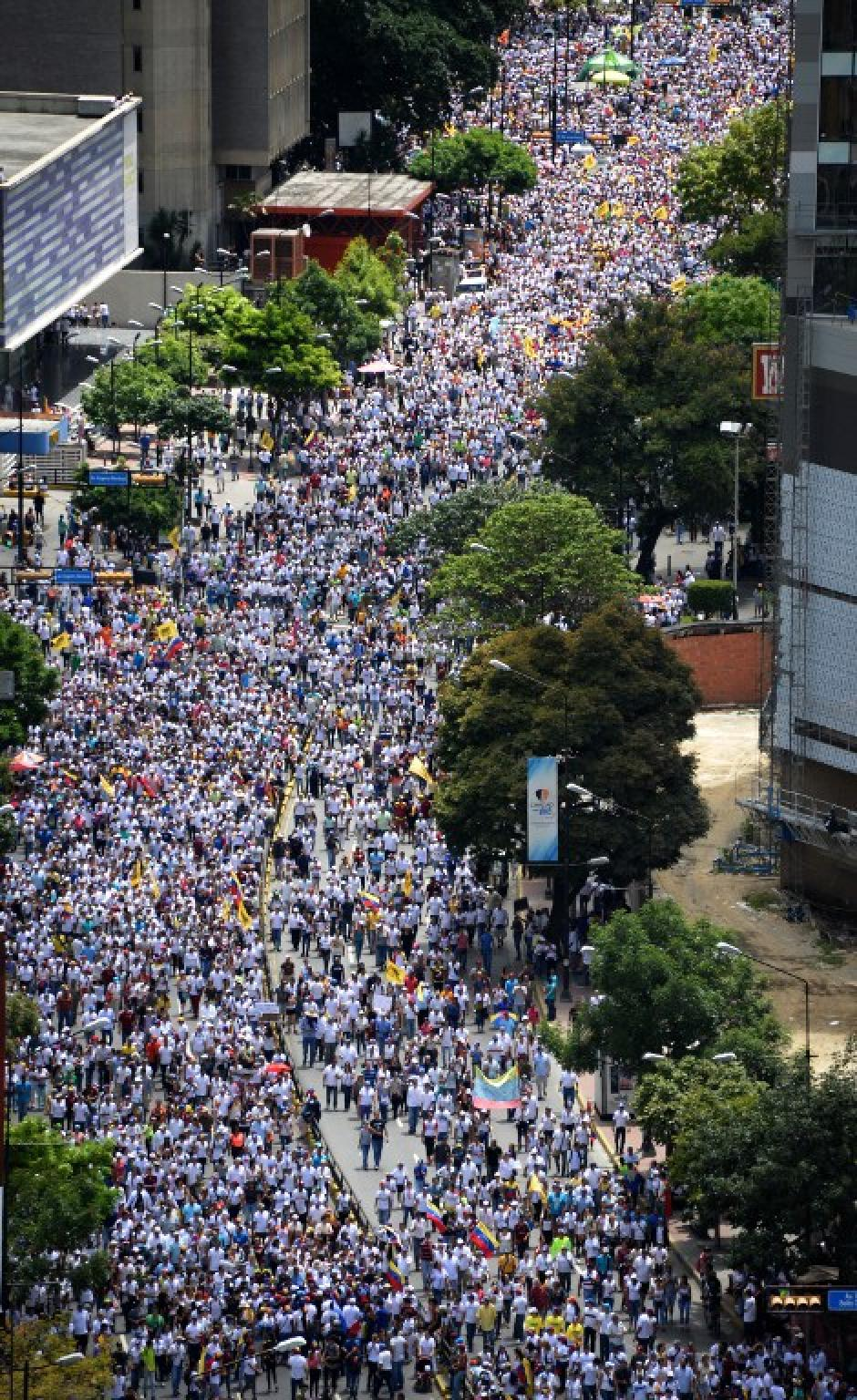 La marcha reunió a miles de personas en Caracas. (Foto: AFP)