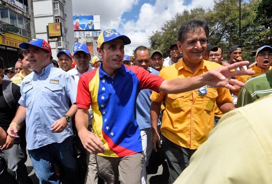 Henrique Capriles se unió a la marcha. (Foto: AFP)