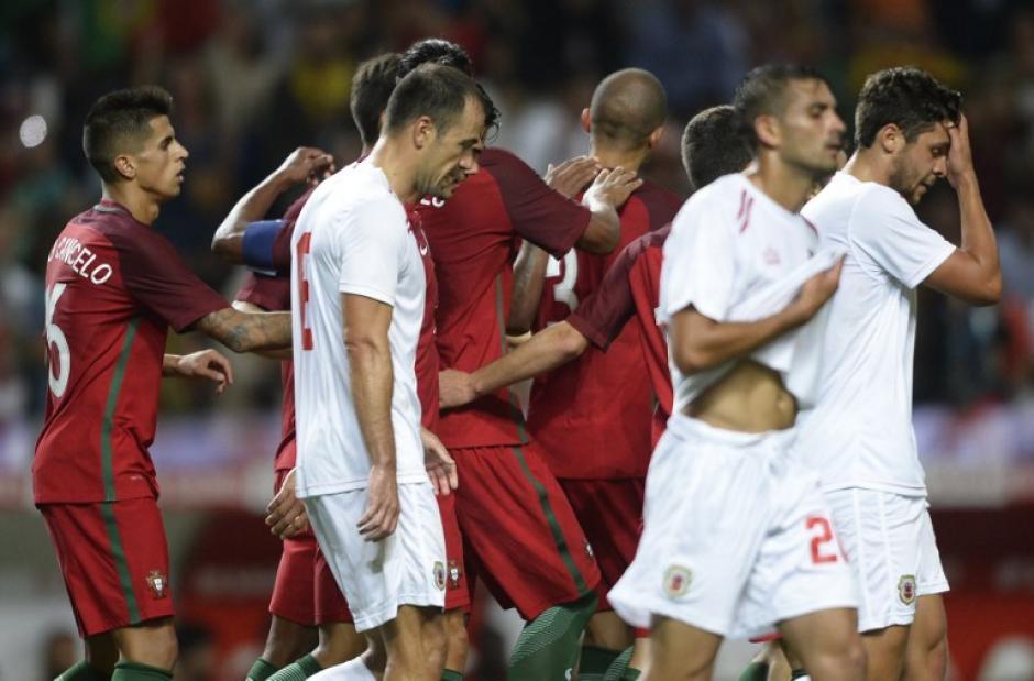 Sin Cristiano, los portugueses estrenaron su título europeo. (Foto: AFP)