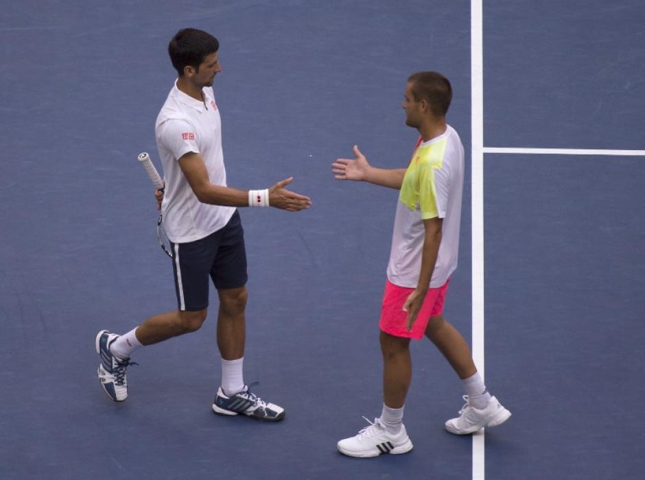 En segunda y tercera ronda, sus rivales no pudieron participar por lesión. (Foto: AFP)