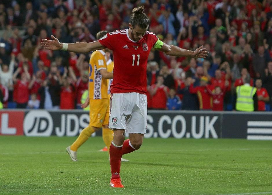 El madridista fue el capitán de Gales, que ganó 4-0 a Moldavia. (Foto: AFP)