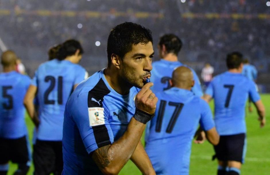 En otro encuentro, Luis Suárez fue el hombre del partido para Uruguay, con un gol y dos asistencias. (Foto: AFP)