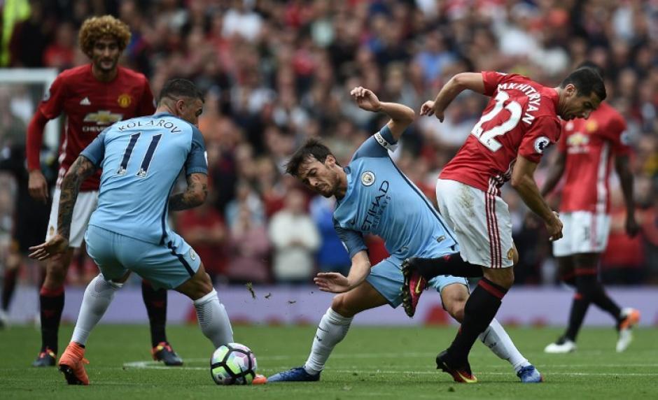 El defensa se fue con tres puntos y sin un diente frontal. (Foto: AFP)