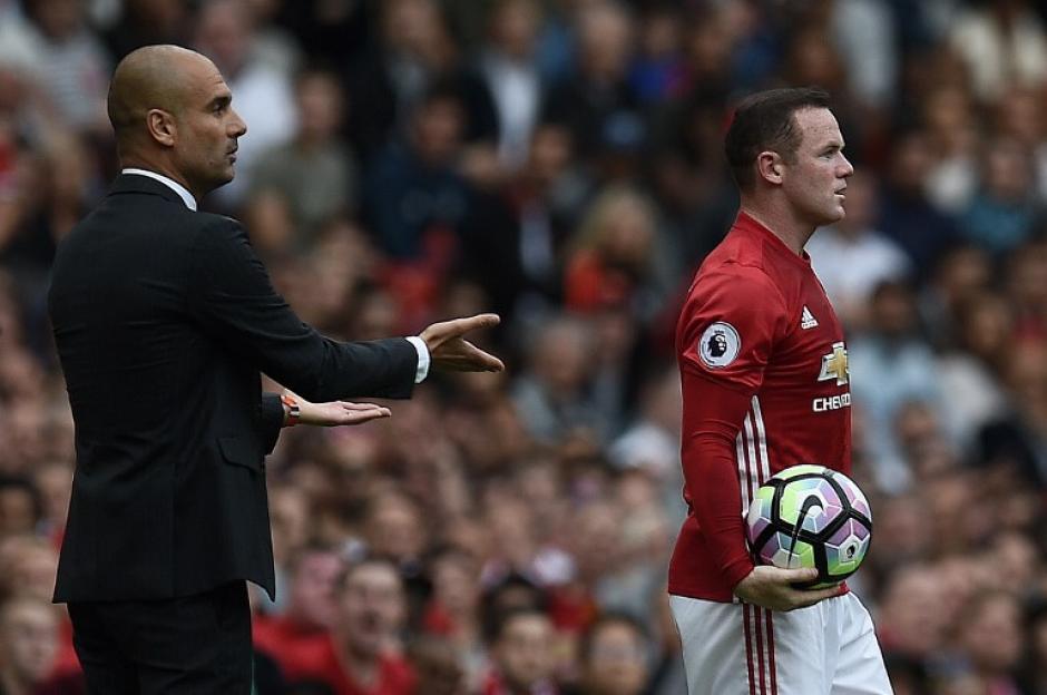 """Guardiola hizo un gesto de """"yo no fui"""" después. (Foto: AFP)"""