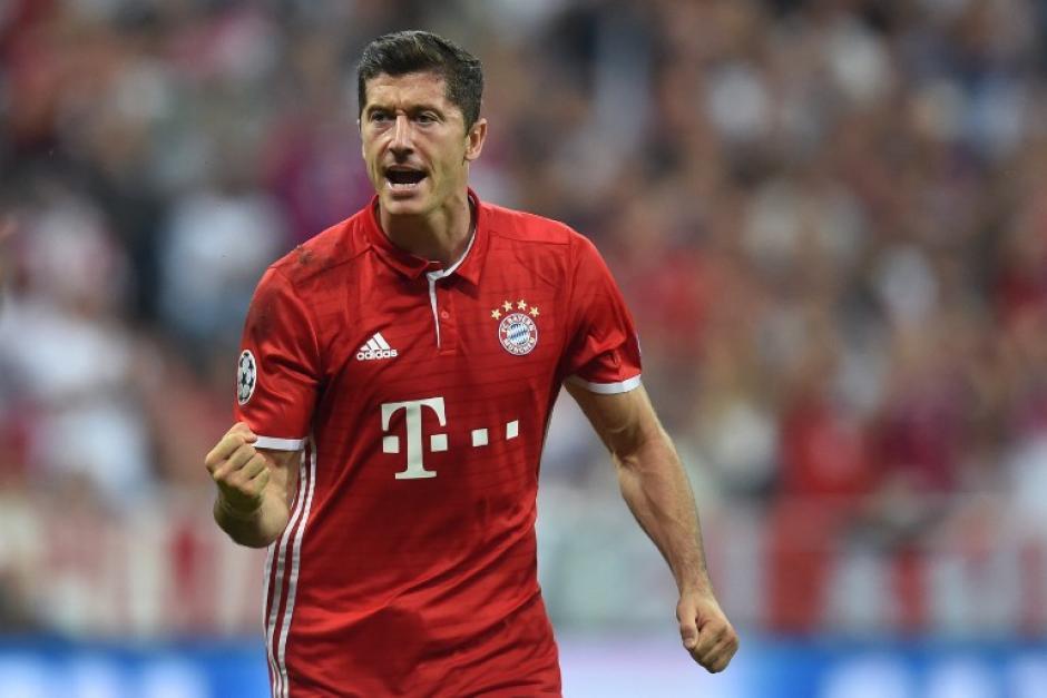 Robert Lewandowski marcó el primer gol para el Bayern. (Foto: AFP)