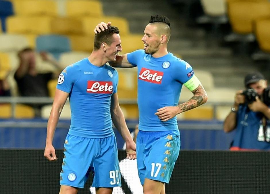 El Napoli le dio la vuelta con dos goles de Milik. (Foto: AFP)