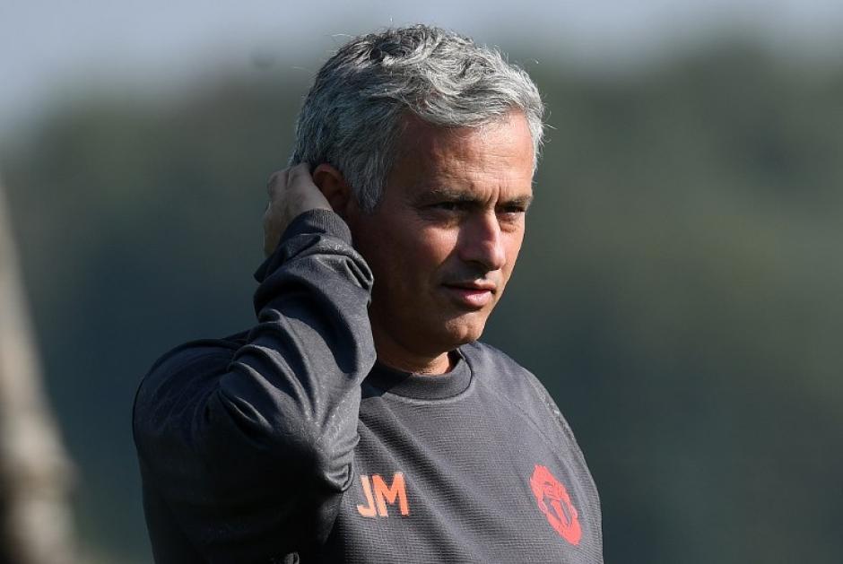 Mourinho continúa haciendo de las suyas a donde vaya. (Foto: AFP)
