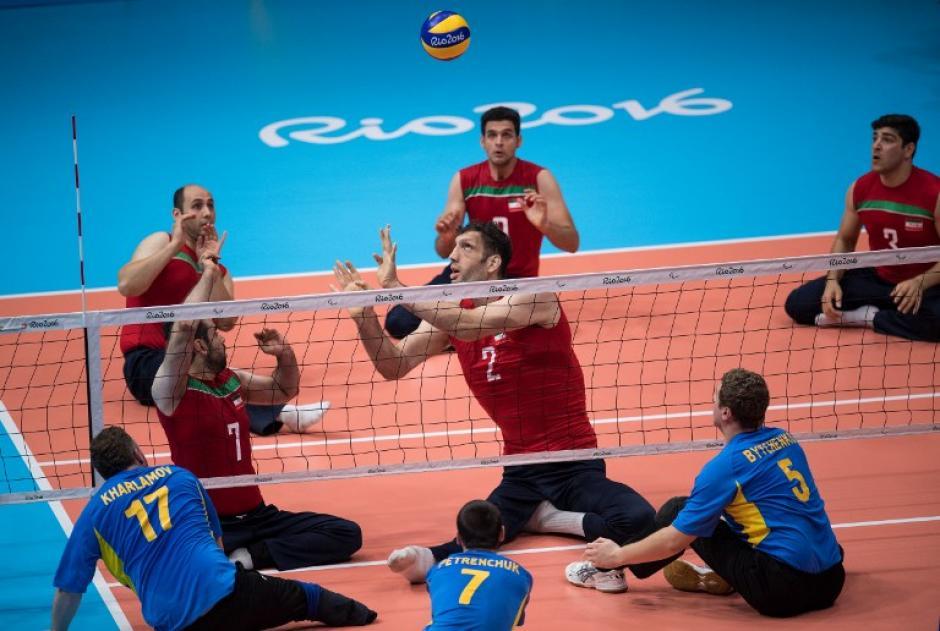 Antes de jugar voleibol, Mehrzadselakjani era un hombre deprimido y solitario. (Foto: AFP)