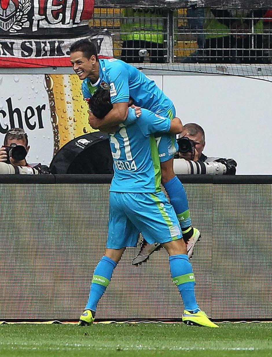 Javier Hernández es un ídolo en Leverkusen. (Foto: AFP)