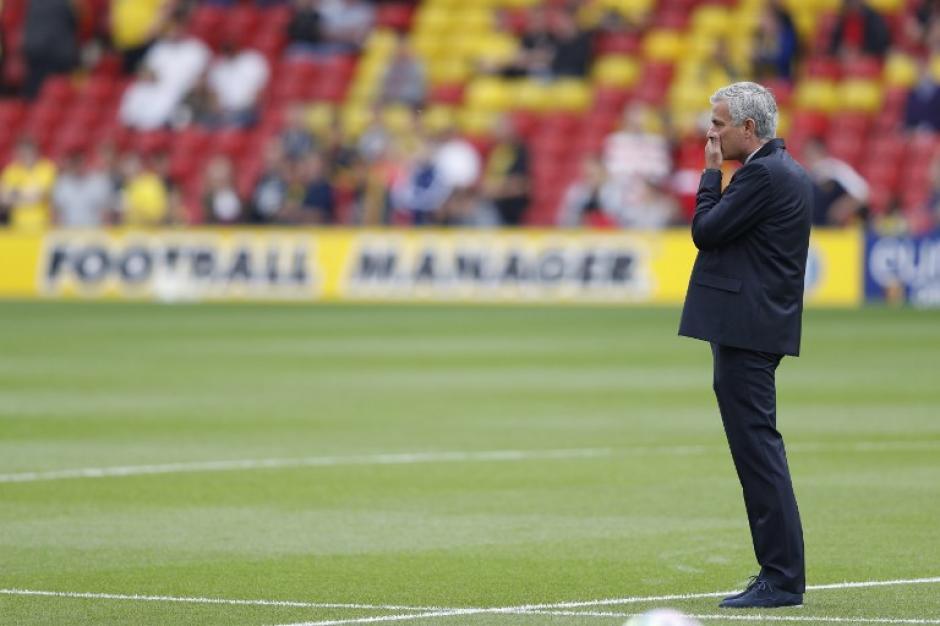 José Mourinho sufrió desde el banquillo del United. (Foto: AFP)
