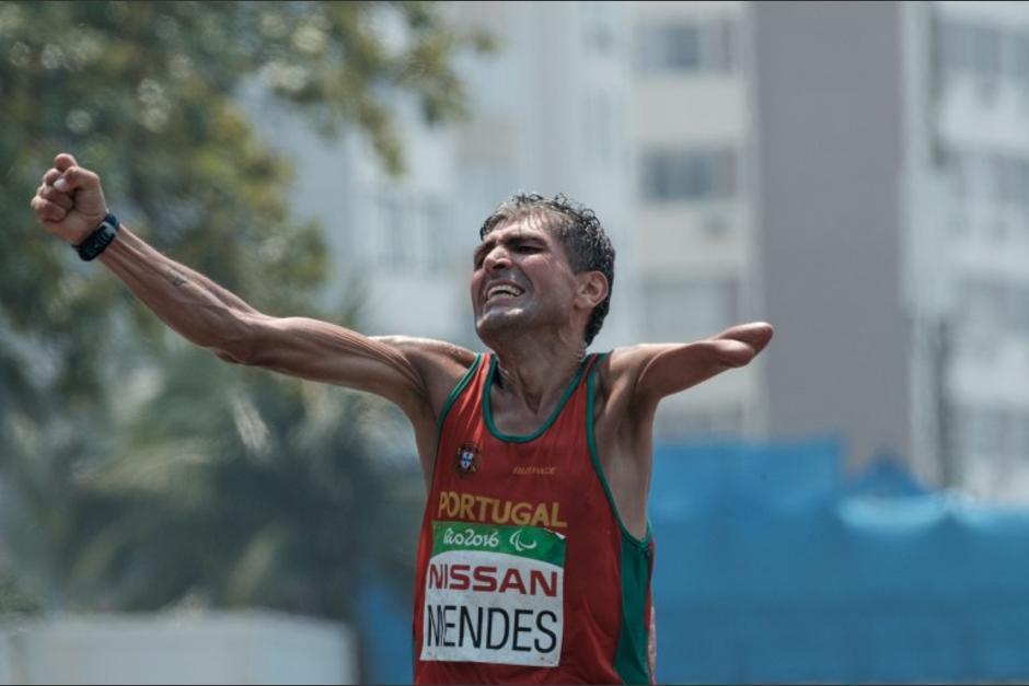 El portugués Manuel Mendes se quedó con el maratón en los Juegos Paralímpicos, de Río 2016. (Foto: AFP)