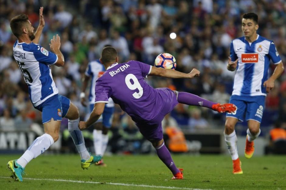 Karim Benzema puso el 0-2 que sentenció el choque. (Foto: AFP)